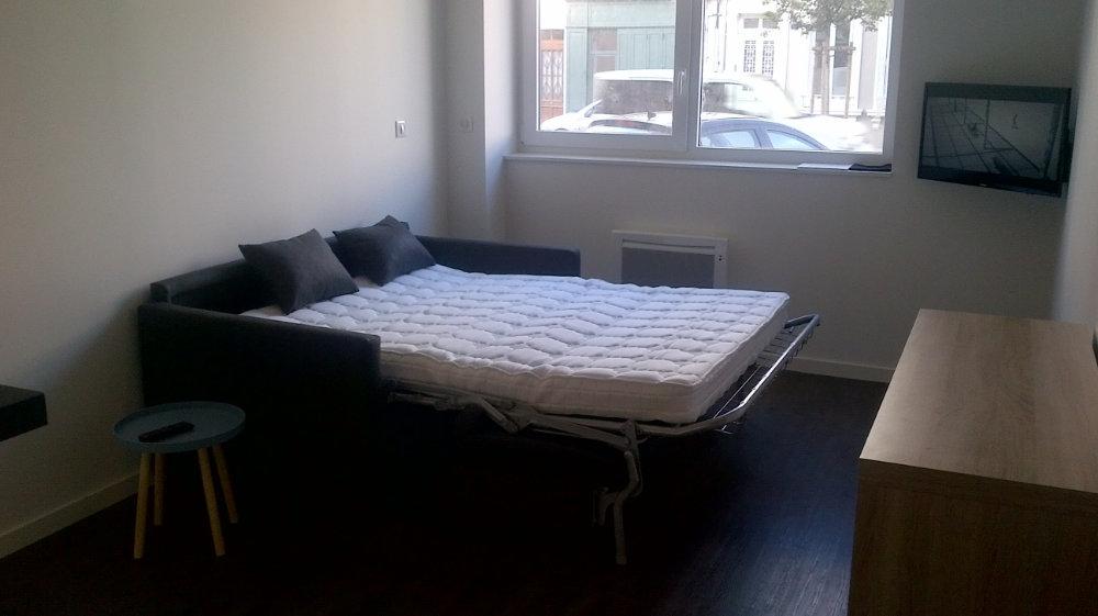 locations meubl es roanne appart 39 en ville. Black Bedroom Furniture Sets. Home Design Ideas